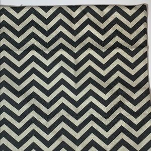 New Accent pillow case with zig zag pattern